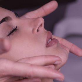 """Rituel """"Douce Comme Bébé"""" Massage, Gommage & Soin (1h15) - Spécial Grossesse & Femme Enceinte"""