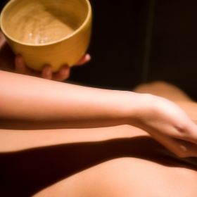 "Rituel ""Evasion Saharienne"" Massage Gommage avec Hammam Privatif (1h30) - en Duo / Couple"