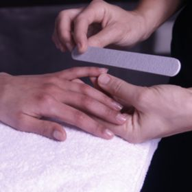 Soin & Massage des Mains : Manucure & Beauté (1h15)